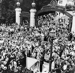 protest_1940x