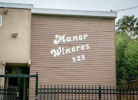 Manor Wineres 929 Delaware