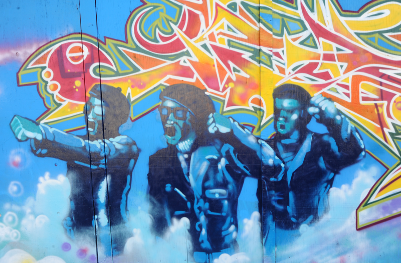 quirky berkeley black panther murals