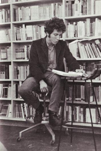 Richard Krech reading at Shakespeare's (1966) Photo by Harold Adler