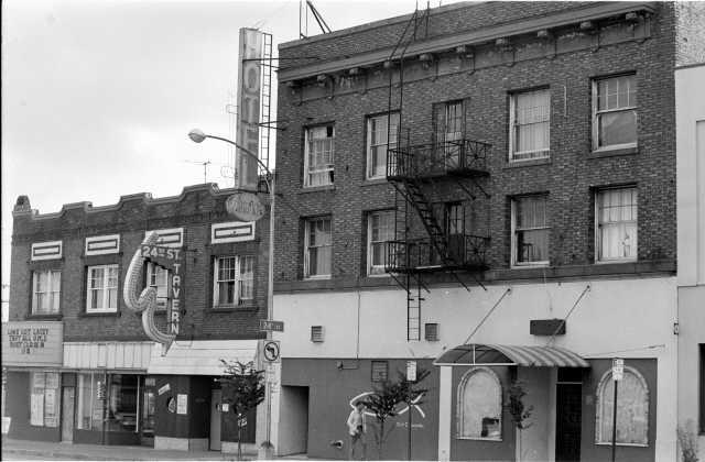 24th Street Tavern