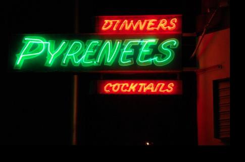 Pyrnnes Neon