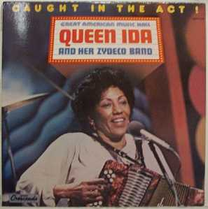 queenidaandherzydecoband.queenidaherzydecoband-caughtintheact(1)