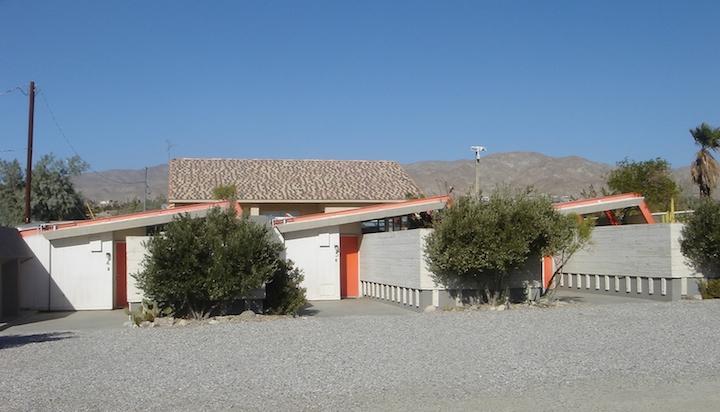 Desert_Hot_Springs_Motel_01