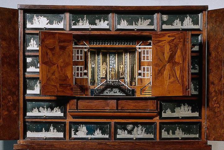 cabinet 3
