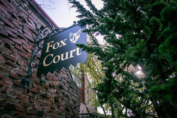 Fox Court, University Avenue