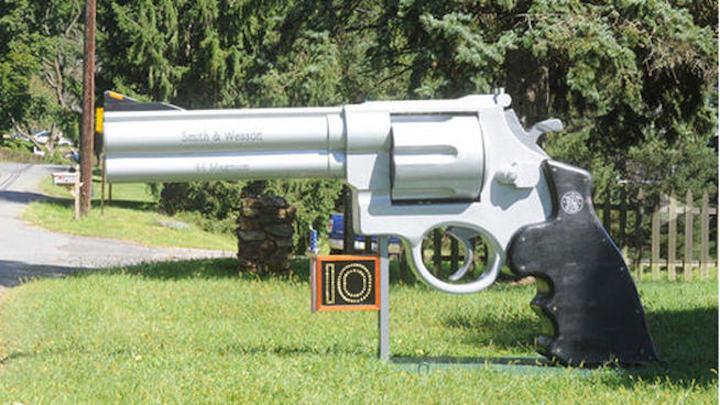 gun+mailbox+courtesy+star+ledger