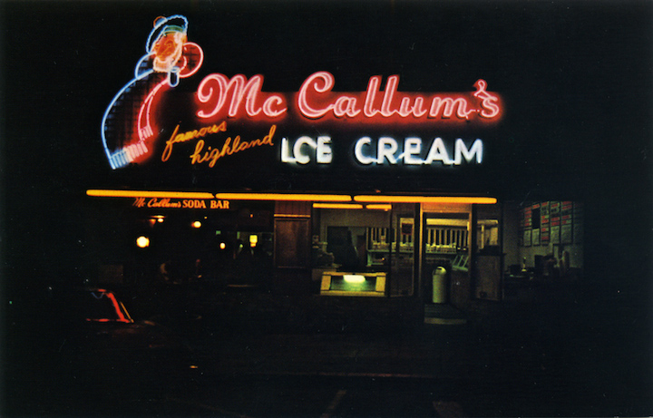 McCallum's_famous_highland_Ice_Cream_1825_Solano_Berkeley_California_SC14231