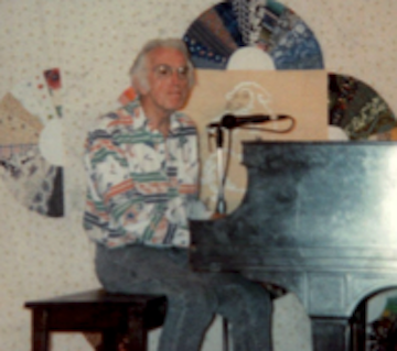 Earl Robinson performing at Julie Place, 1988