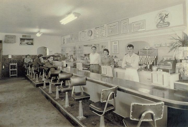 Smitty's Milk Bar, Grant and Yosemite, Manteca.  Photo: Manteca Bulletin.