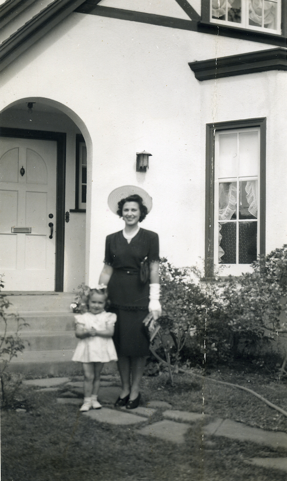 June and Dorothy Brogden (1943). Photo courtesy Dorothy Brogden.