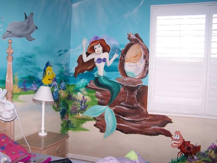 http://findamuralist.com/california/berkeley/muralists/hayley-ferreira