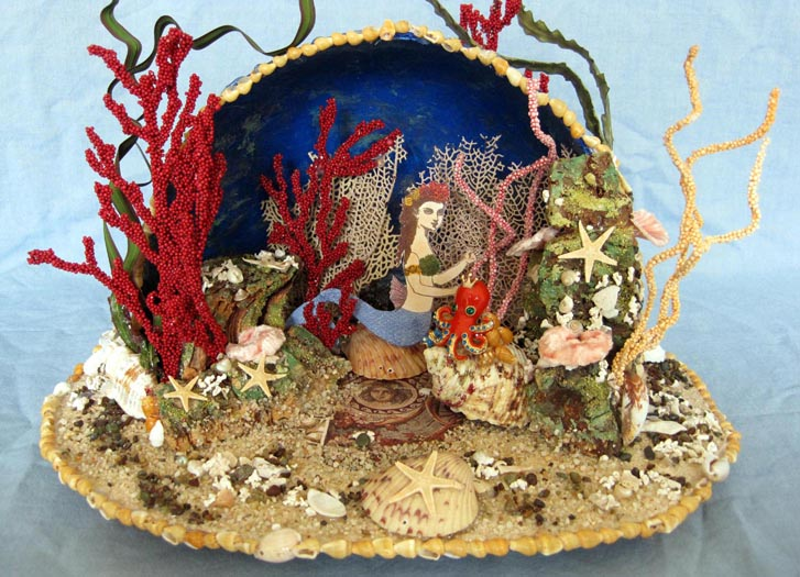 Mermaid grotto diorama number 2 – class taught by John McRae. Photo: http://craftycreativegal.com/castle-in-the-air-my-magical-creative-home/