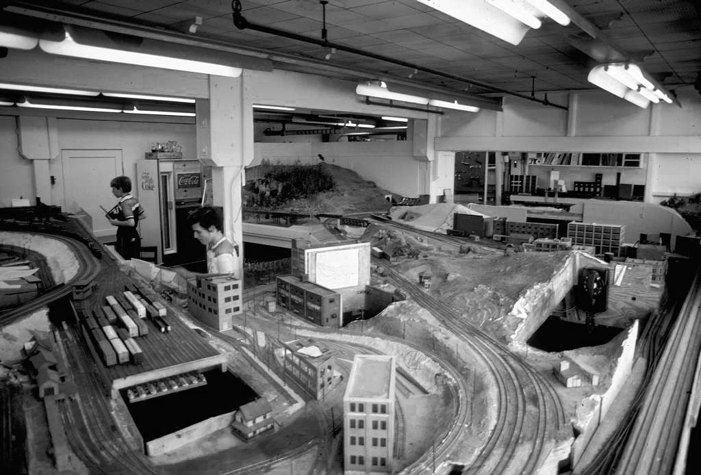 Photo: https://backchannel.com/the-tech-model-railroad-club-3b06a3163563#.cnbm2q41r