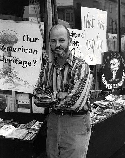 Lawrence Ferlinghetti. https://www.pinterest.com/pin/539235755357650101/