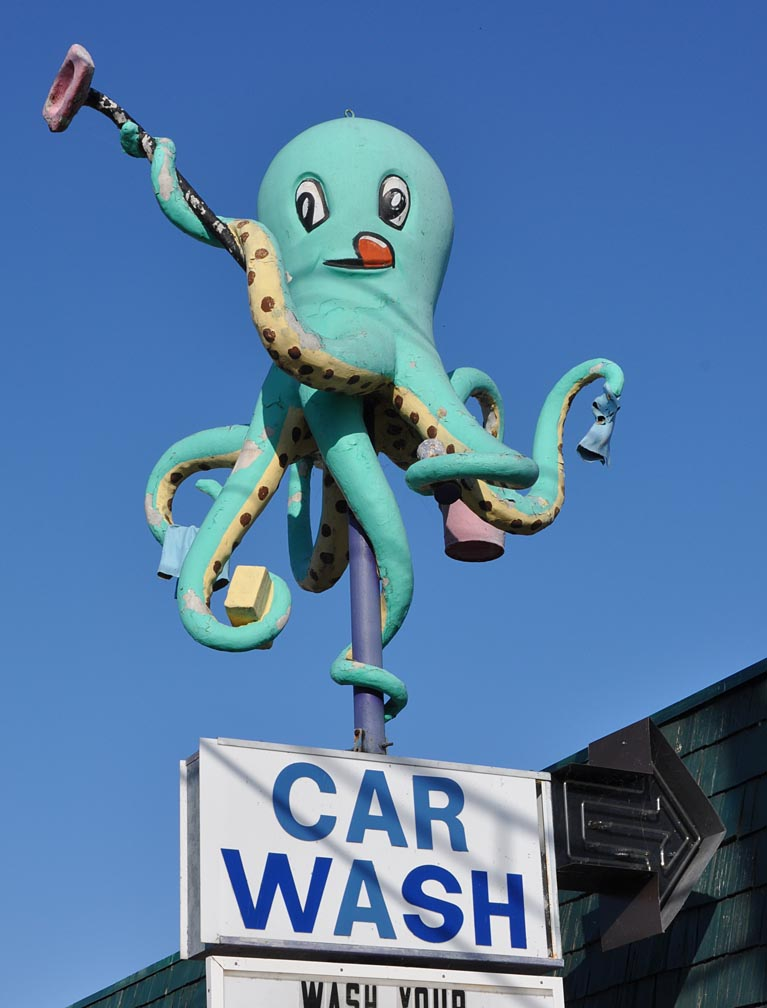 Octopus Car Wash, Farmington, New Mexico. Photo: roadarch.com