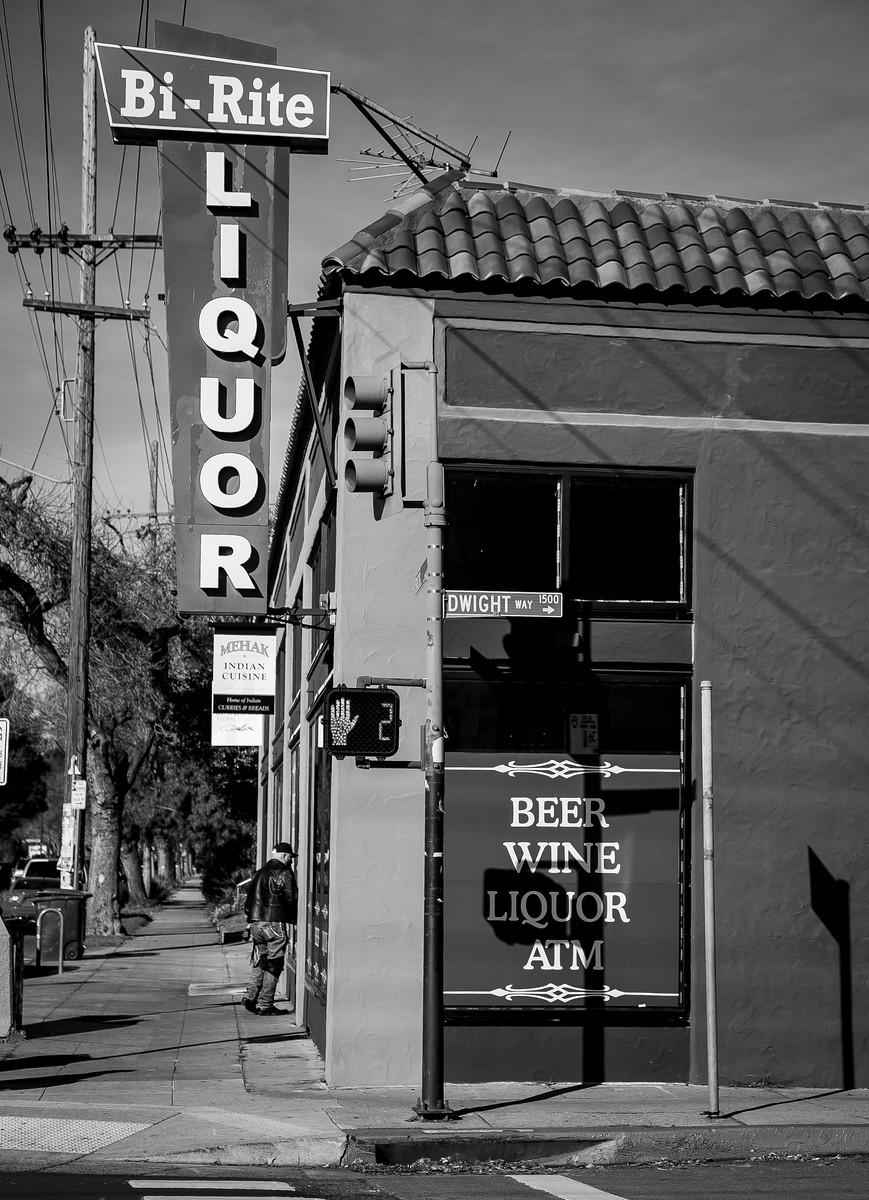 2405 Sacramento