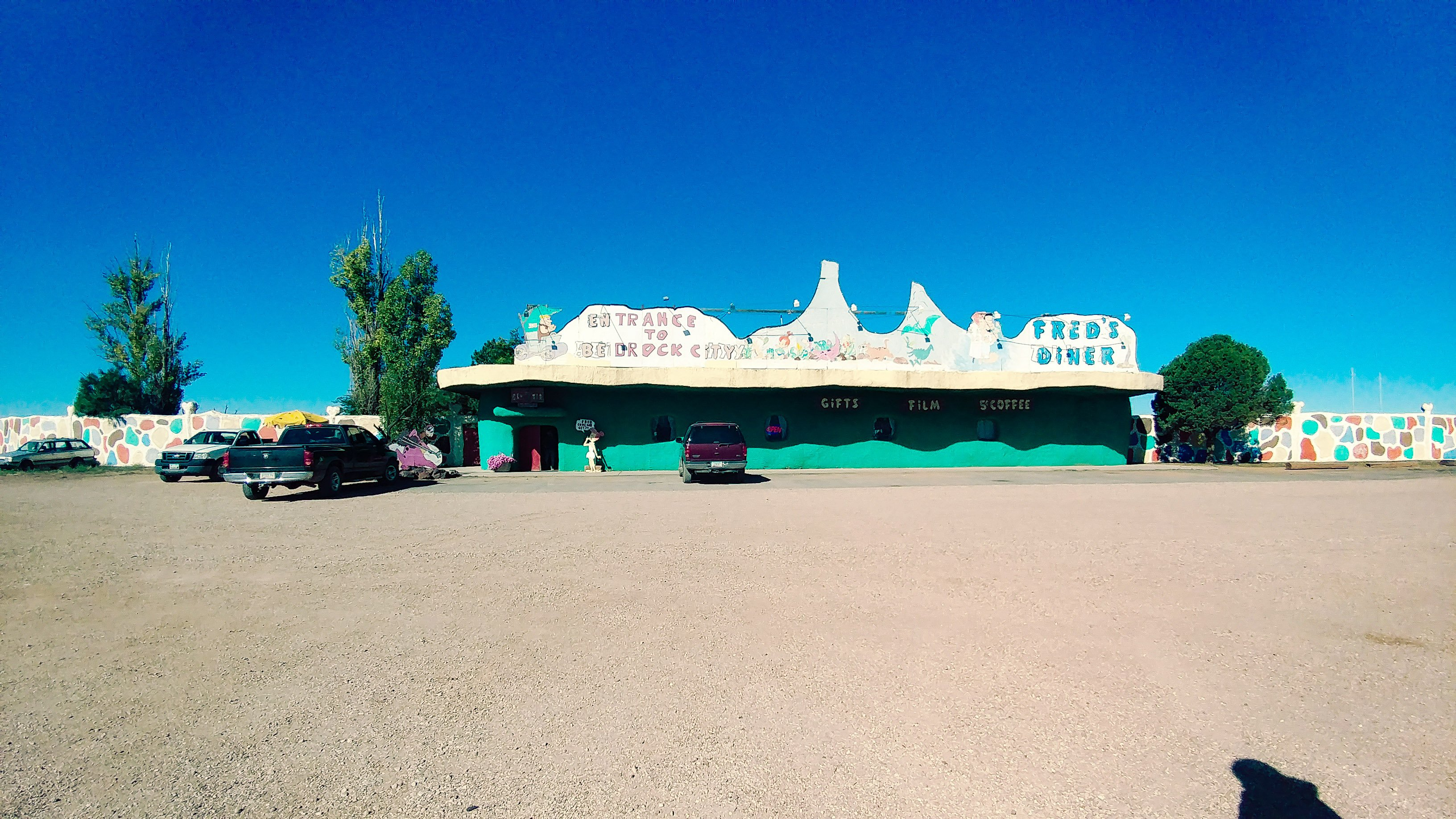 https://www.tripadvisor.com/Attraction_Review-g31407-d534990-Reviews-Flintstone_s_Bedrock_City-Williams_Arizona.html#photos;aggregationId=101&albumid=101&filter=7&ff=280548180