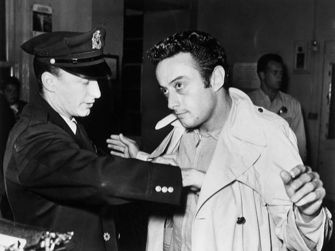 Lenny_Bruce_getting_arrested_in_SF_1961