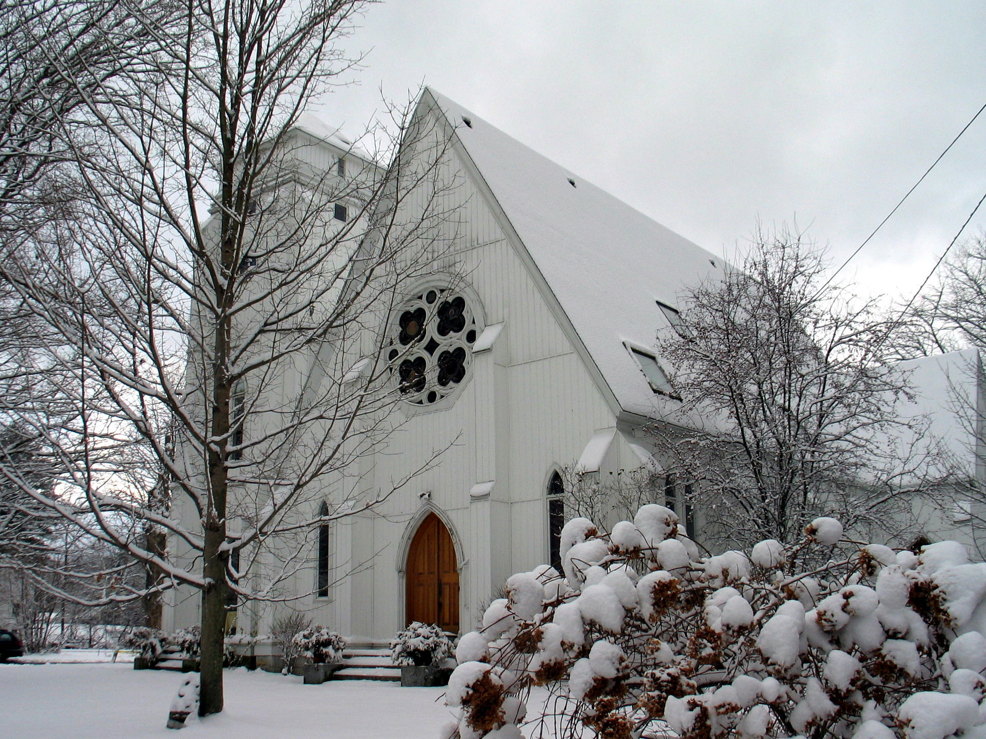 The former church where the story begins, located at 4 Van Deusenville Road in Great Barrington, Massachusetts; the building later became the Guthrie Center.