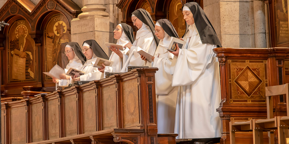 web3-nuns-paris-sacred-heart-basilica-praying-sisters-vocations-shutterstock_1064063777-alderosaz-shutterstock-editorial